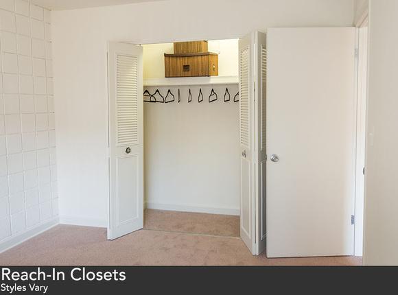 Pphc-20bedroom-20closet