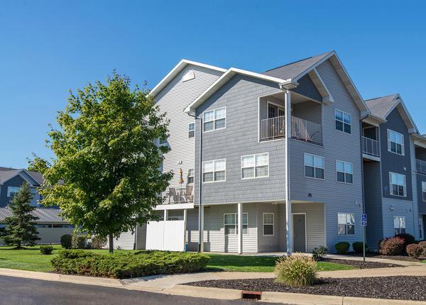 Silver Lake Hills Comfy 1 3 Bed Apartments In Fenton Mi Mckinley Mckinley