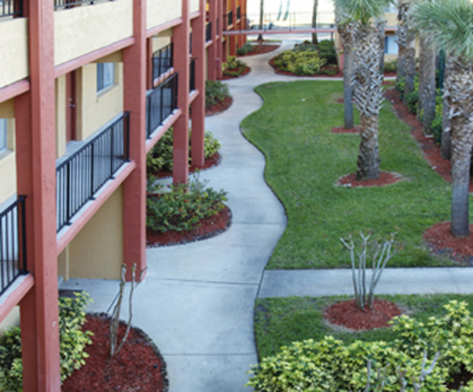 Monterey Apartments In Boynton Beach
