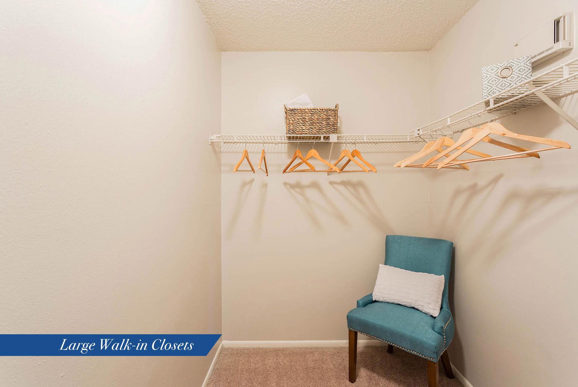 2b1-5b-930-bc-20bedroom-20ll-20closet