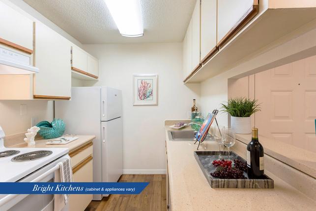 Hb-1b1b-580-gulfbreeze-kitchen