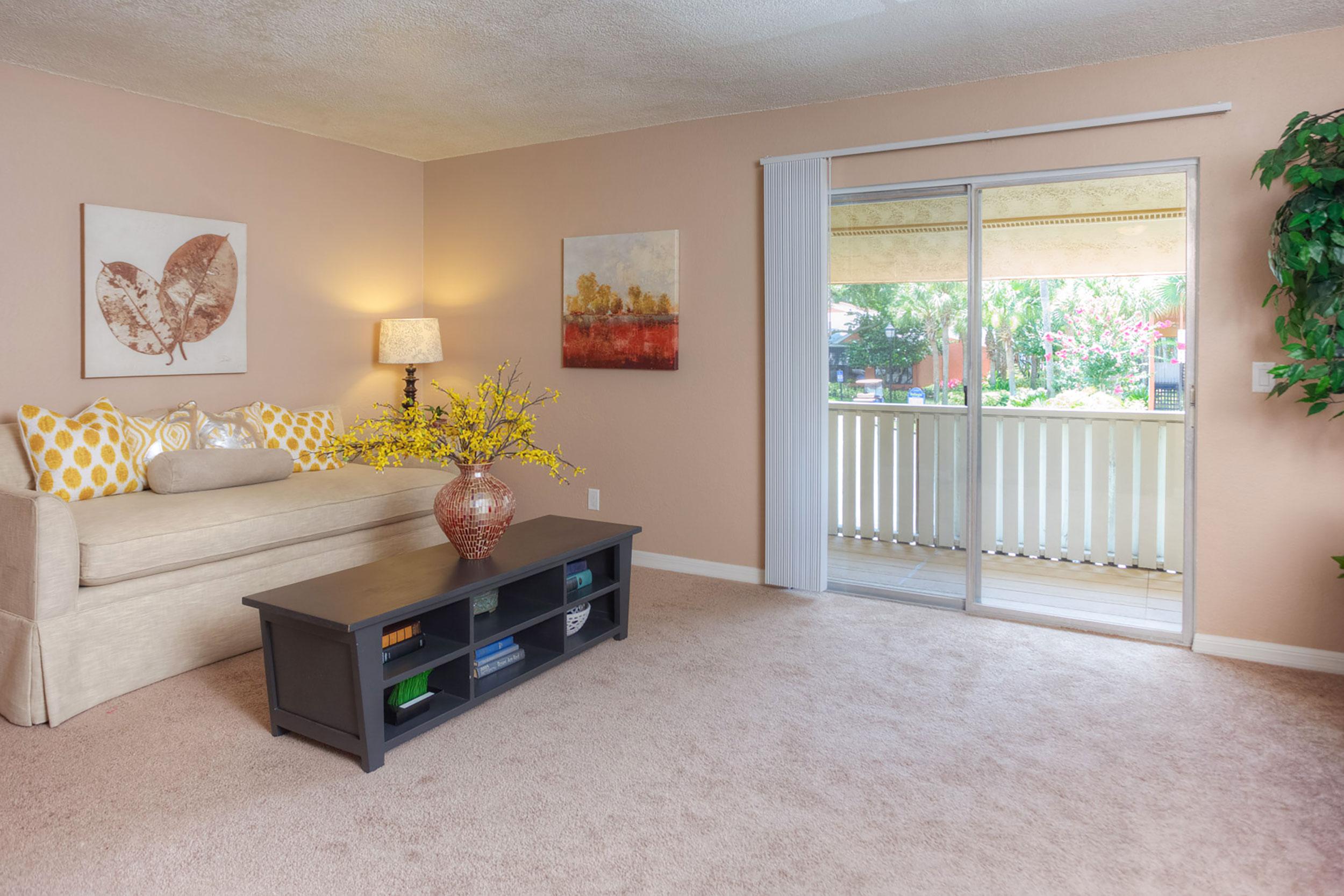 Bl-living-room