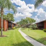 Coconut Palms Apartments Photo Thumbnail