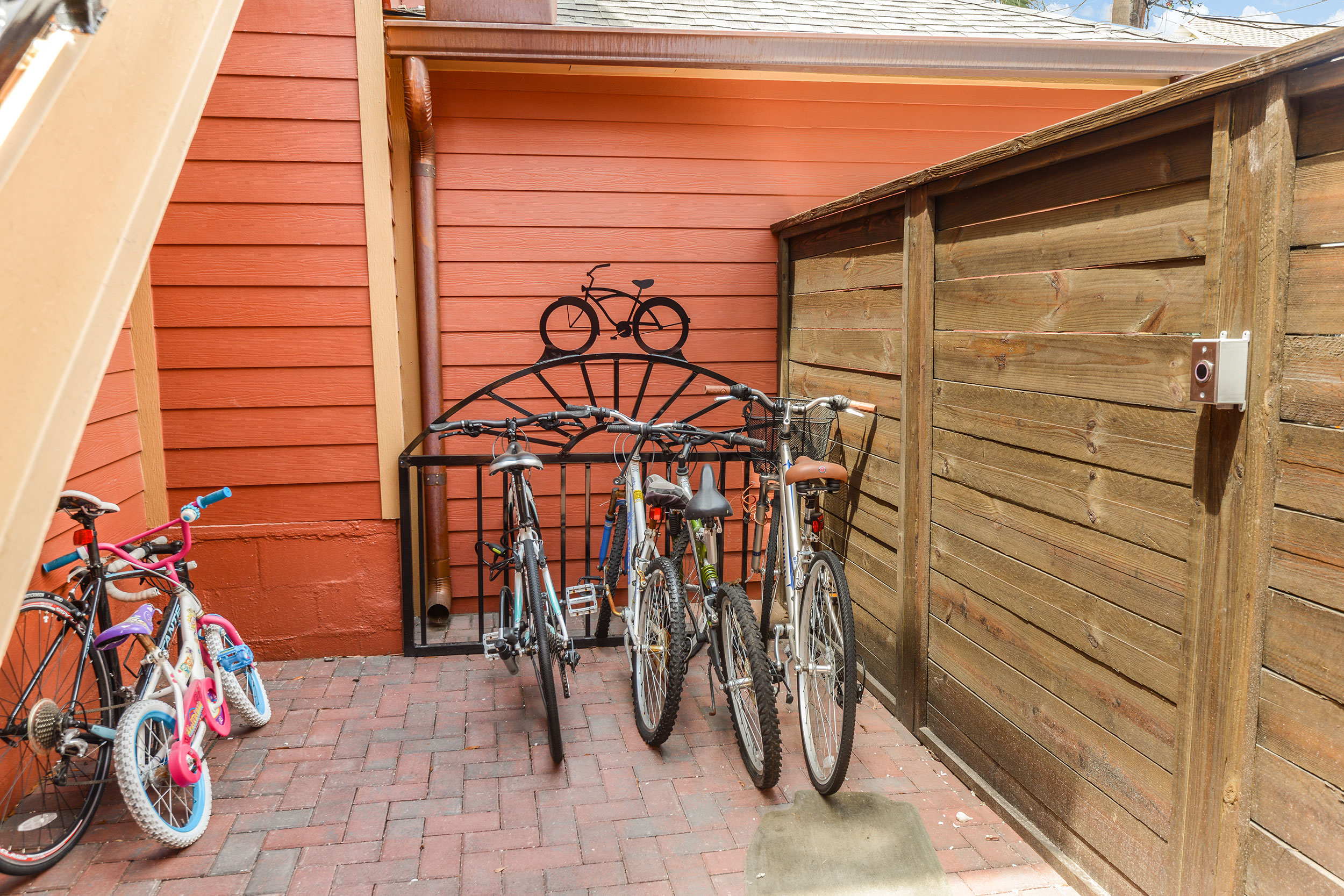 Del-amen-bike-rack
