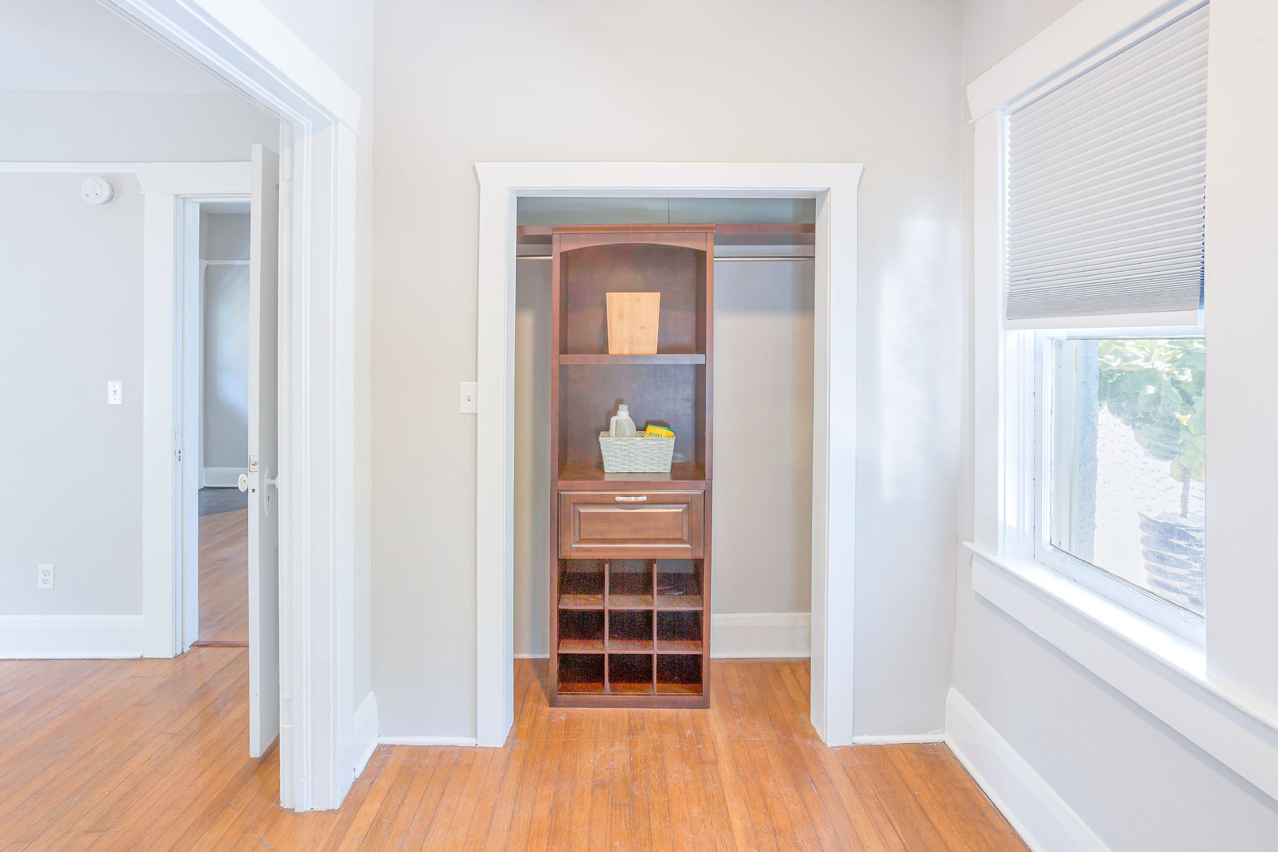 Plf-closet