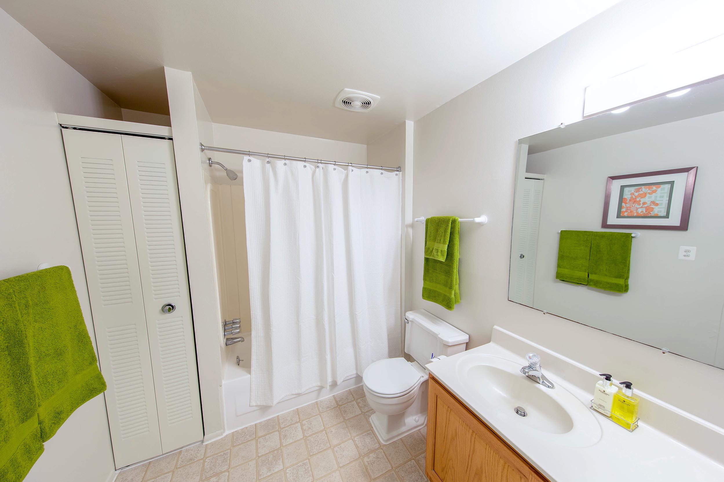 Mcc-20700-20bathroom-2