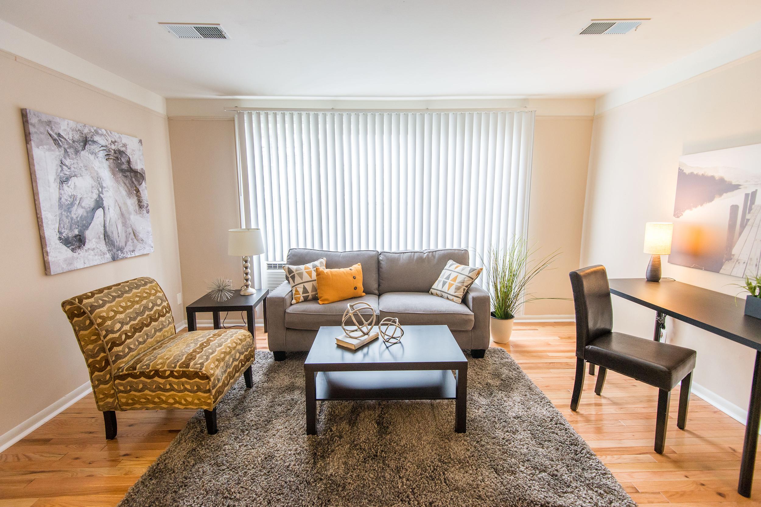 Mf-living-room