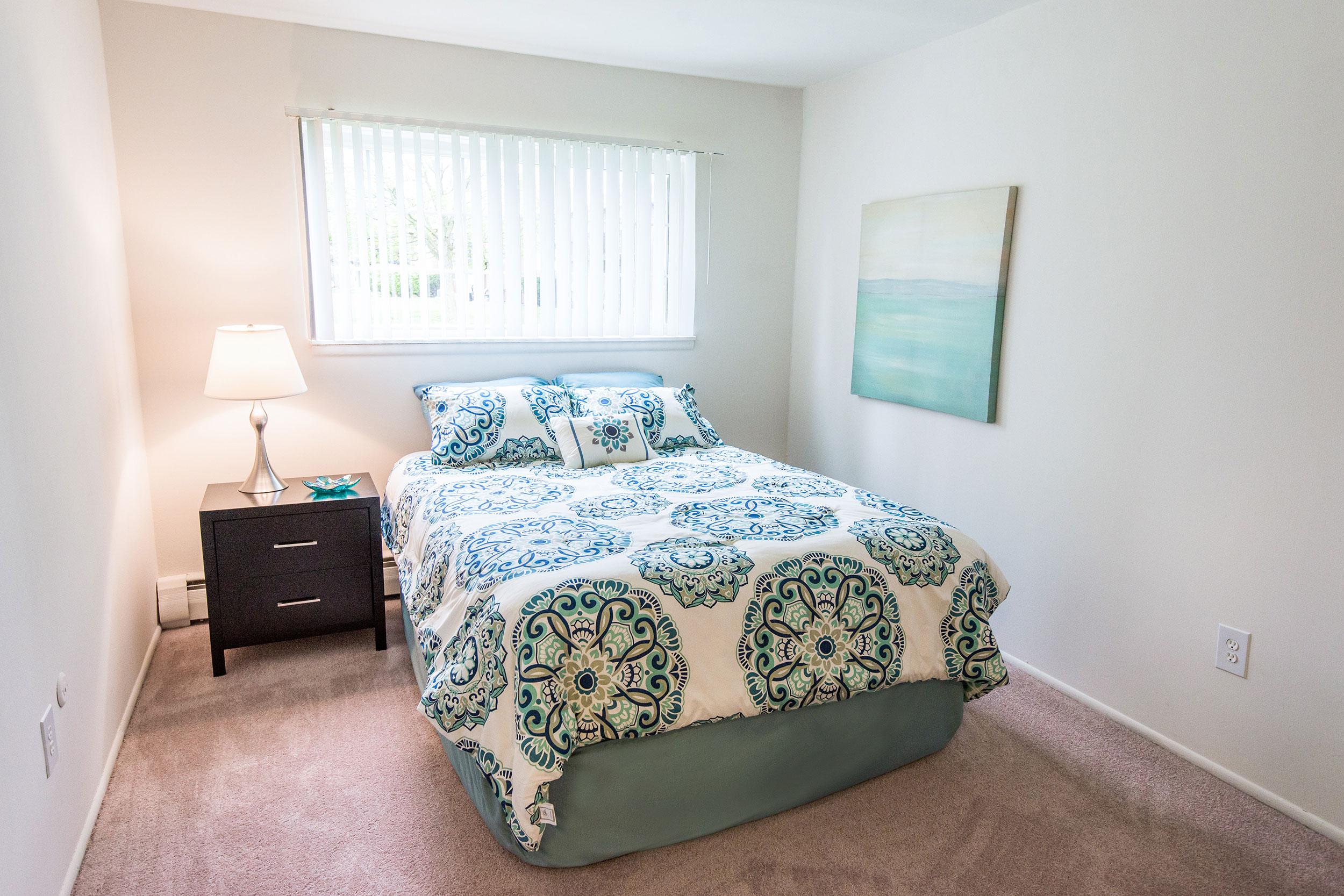Tv-20860-20bedroom-20ll-2