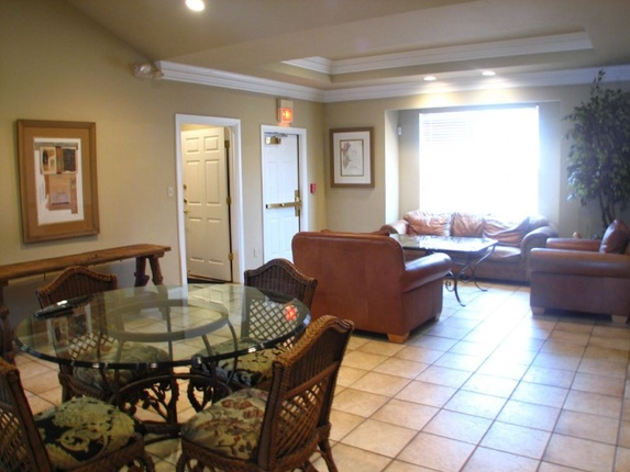 Waterford at portage trail apartments apartments in akron ohio mckinley for One bedroom apartments in akron ohio