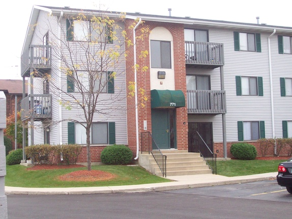 Country Wood Apartments Apartments In Naperville Illinois Mckinley